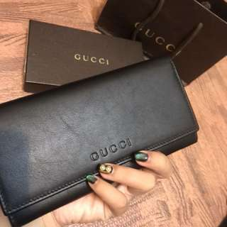 🚚 Gucci 素面黑色長夾