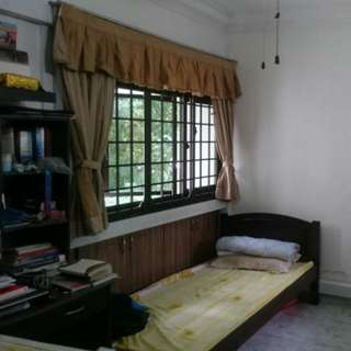 Master bedroom 5 mins from Boon Lay MRT