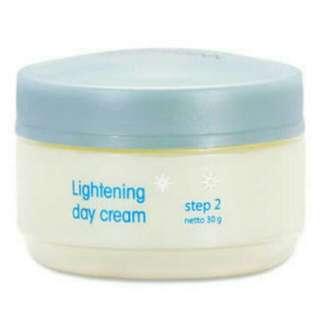 cream siang wardah step 2