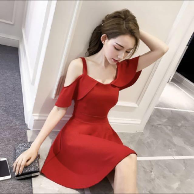 僅穿一次-一字肩連衣裙女夏2017新款韓版顯瘦红色性感氣質名媛露肩吊帶裙子