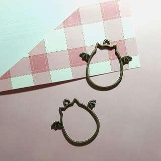Brand New Bezel Charms - Bronze Pusheen Inspired Bat charms , Cat charms, Bezel Charm for UV resin Crafts♡