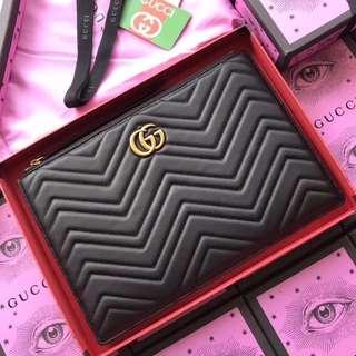 Gucci GG Marmont Matelasse clutch