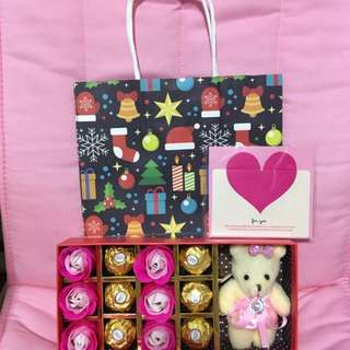 Christmas gift - soap roses with Ferrero chocolates & keychain soft bear