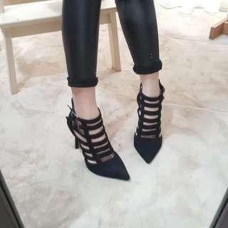 ❤°°全新°°❤ 縷空尖頭高跟鞋