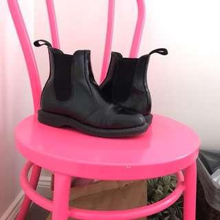 Dr Marten Chelsea Boots