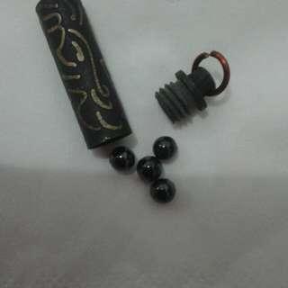 Geliga hitam ( 1 )