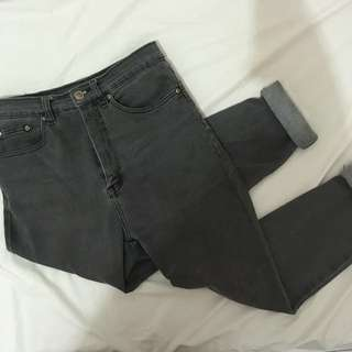Gray Hw Mom Jeans
