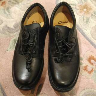 100% Brand new Clarks size UK8 leather shoe from UK全新皮鞋購自英國UK8 號