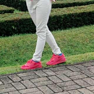 Nike pinky