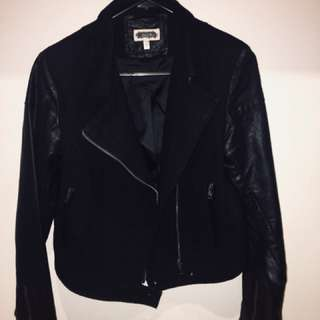Black jacket / Leather jacket