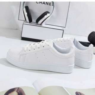 VICTORY INTL WHITE SNEAKERS