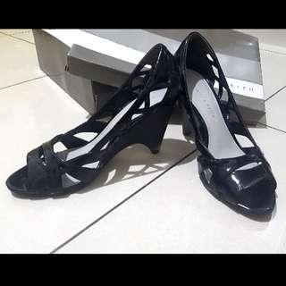 REPRICE Charles & Keith heels hitam size 36 (similar to 37 standar)