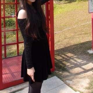 🚚 蕾絲簍空露肩秋冬洋裝