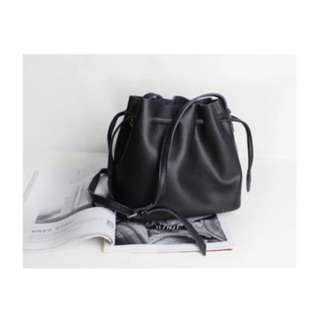Bucket bag ( black )