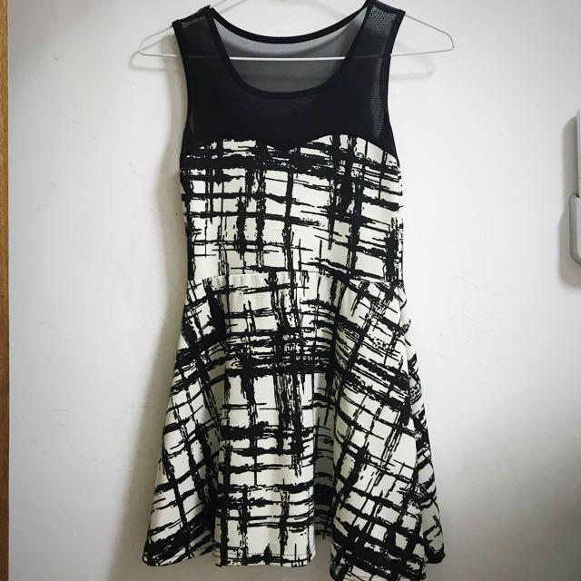 [免運] 仿馬甲鏤空短洋裝 #含運最划算 #我的女裝可超取