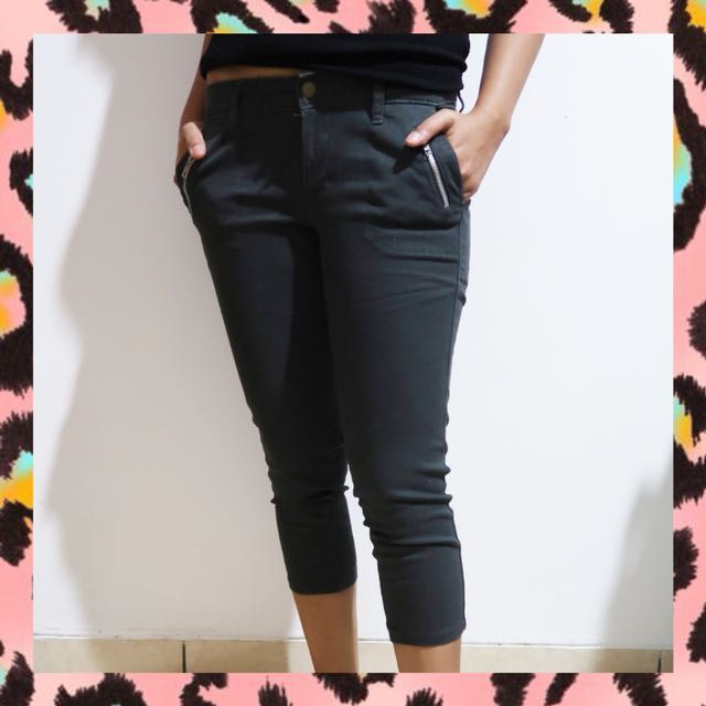 ANKLE CROPPED PANTS