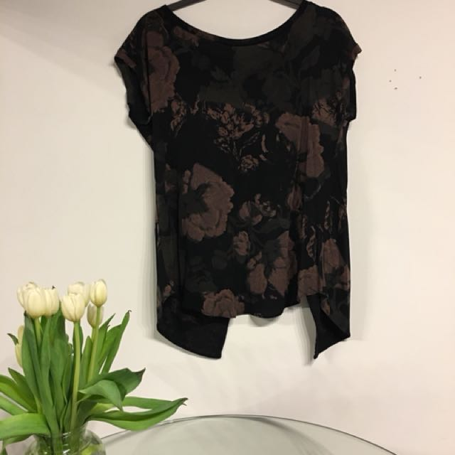 Aritzia floral blouse open back size small