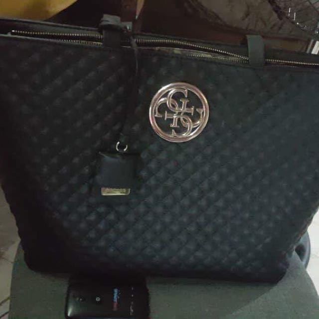 Authentic Guess quilted tote bag ‼️