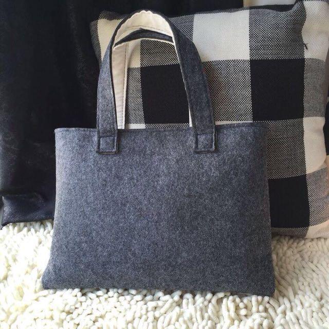 Bag sleeves for macbook /laptops