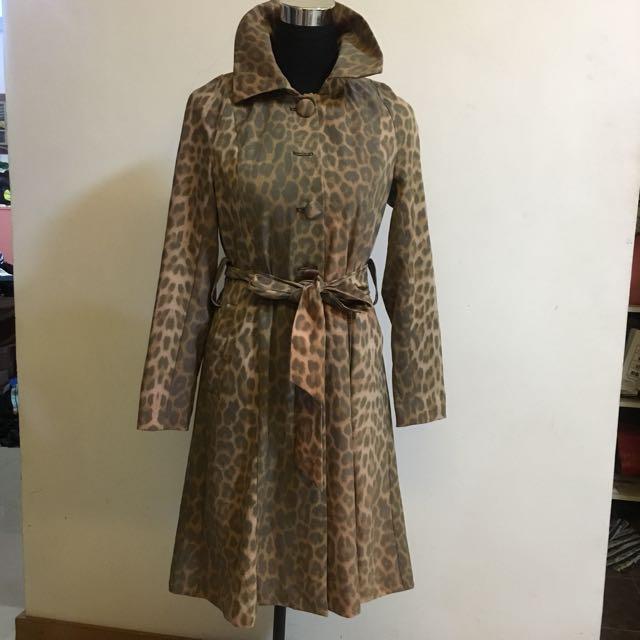 BCBG Maxazria trench coat winter jacket parka coverup