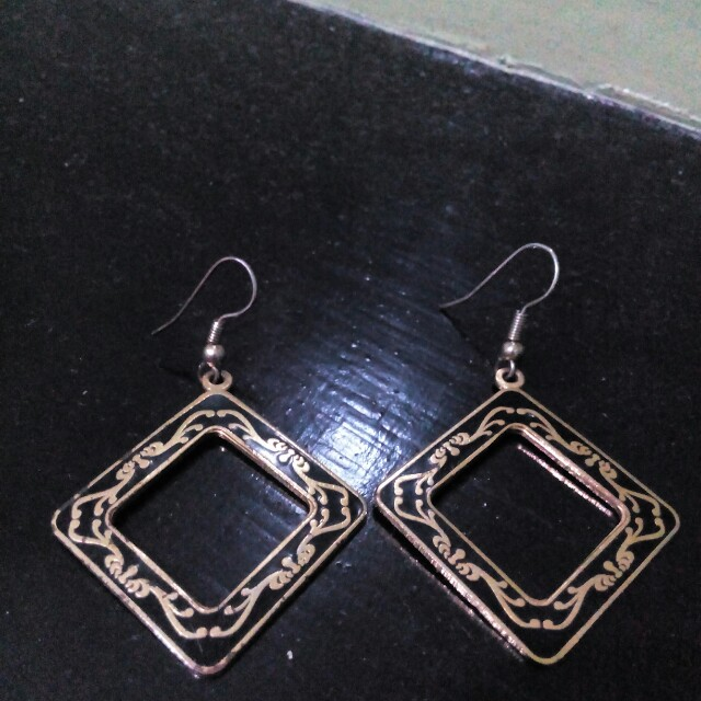 Black / Gold Earrings