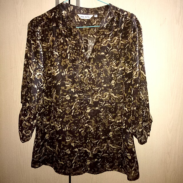 Blouse Mint size 12 or xl