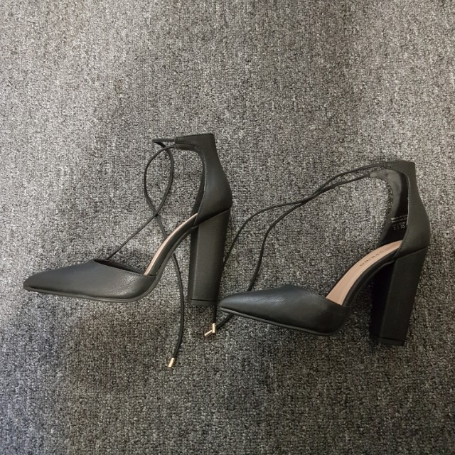 BRAND NEW Women's Heels (Black)