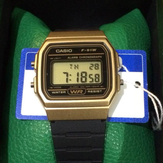Casio watch(F-91W) black/gold