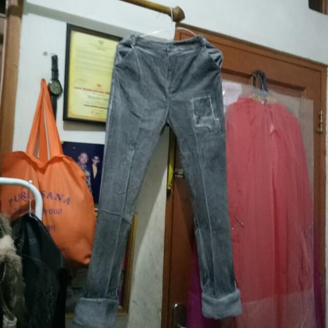 Celana kordorai