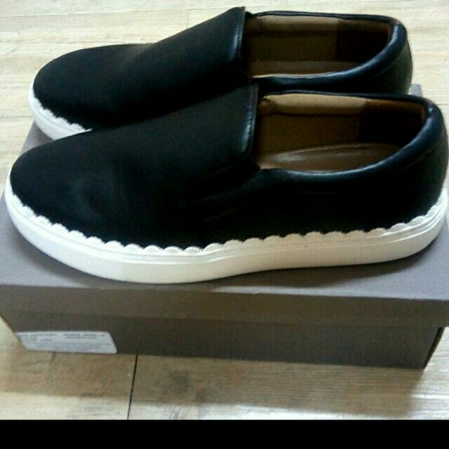 Charles and Keith, Slip On, Sz 39