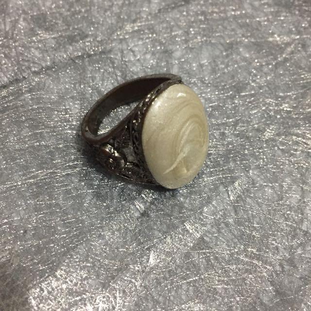 Cincin Batu Putih
