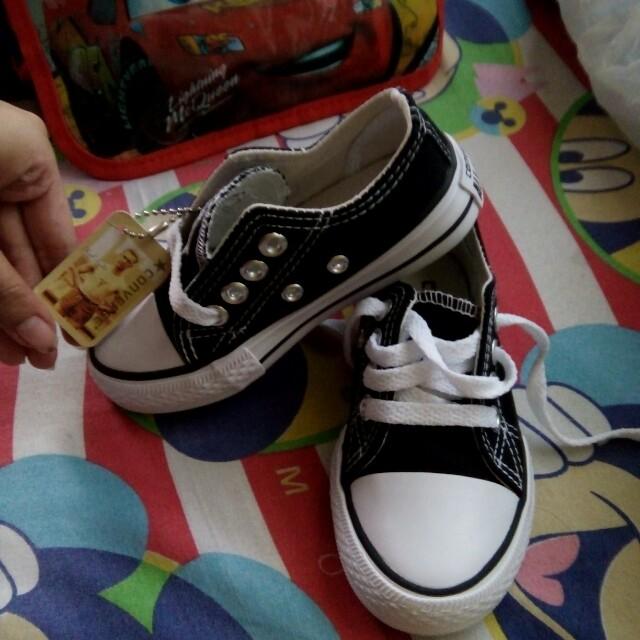 Converse size 25