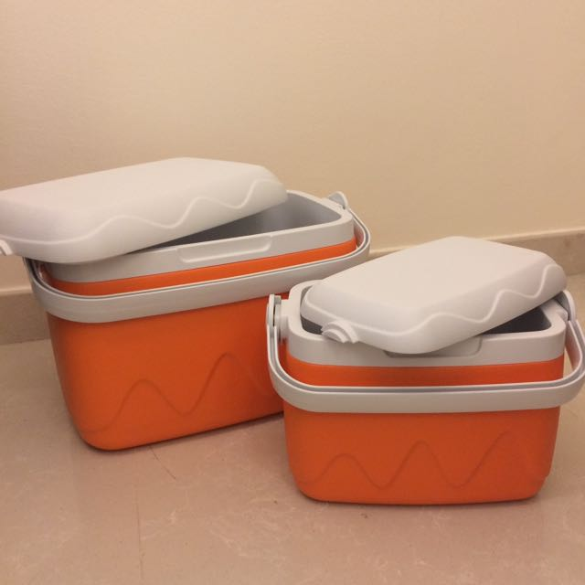 Cooler ice box: 2 for 1!