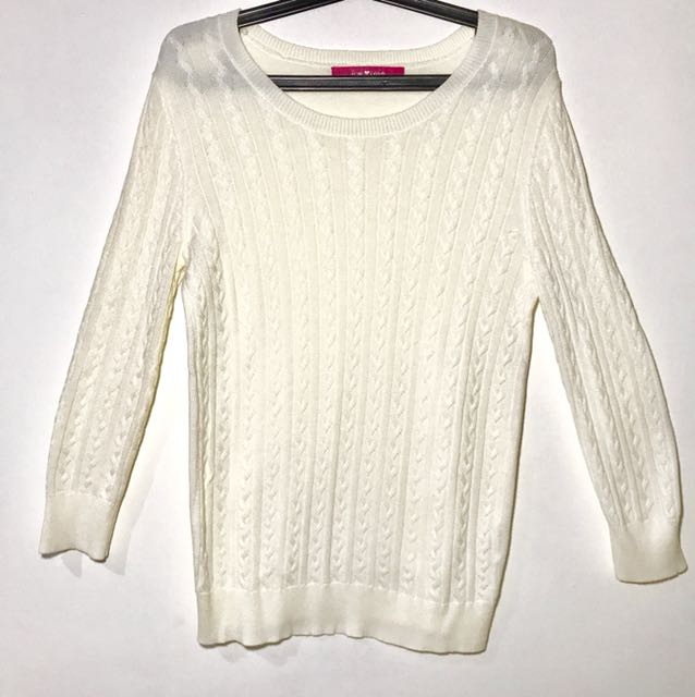 64b650b086 Cream white sweater