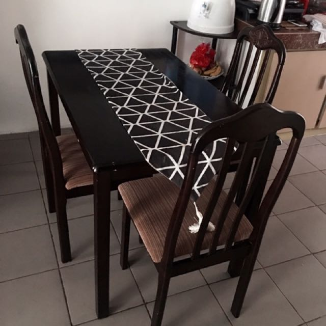 dining set for sale with 3 chairs