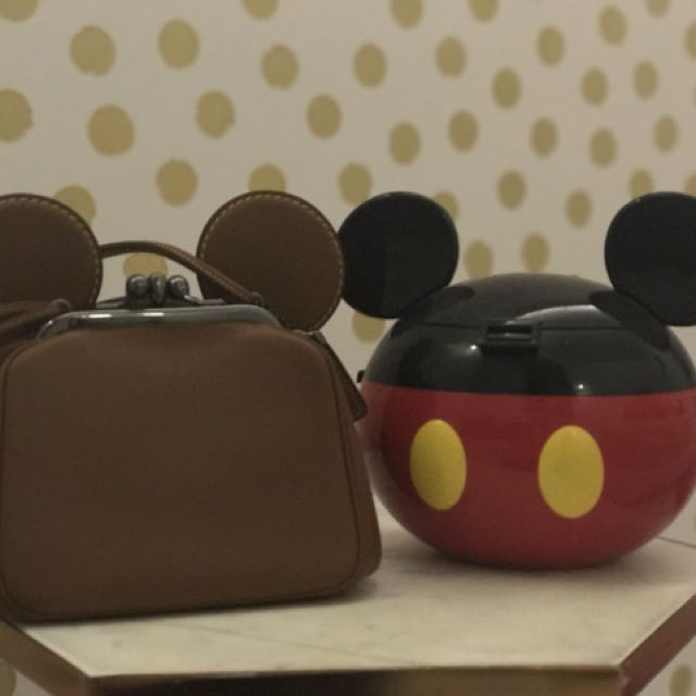Disney x Coach 聯名 Mickey Kisslock 棒球手套鞣製皮革手提包 /  米奇耳朵包