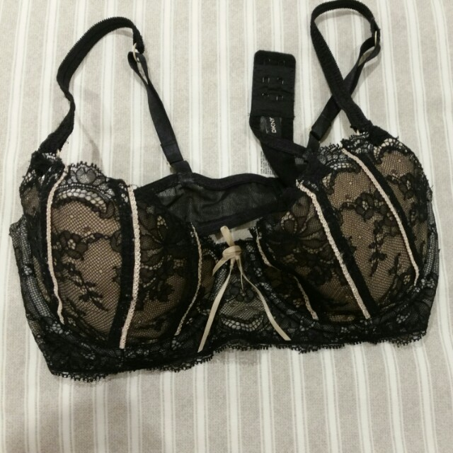 0910a6cd61 DKNY Lacy black bra 34B
