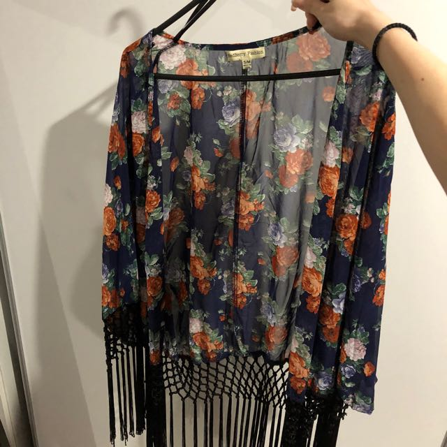 Floral cardigan with with fringe
