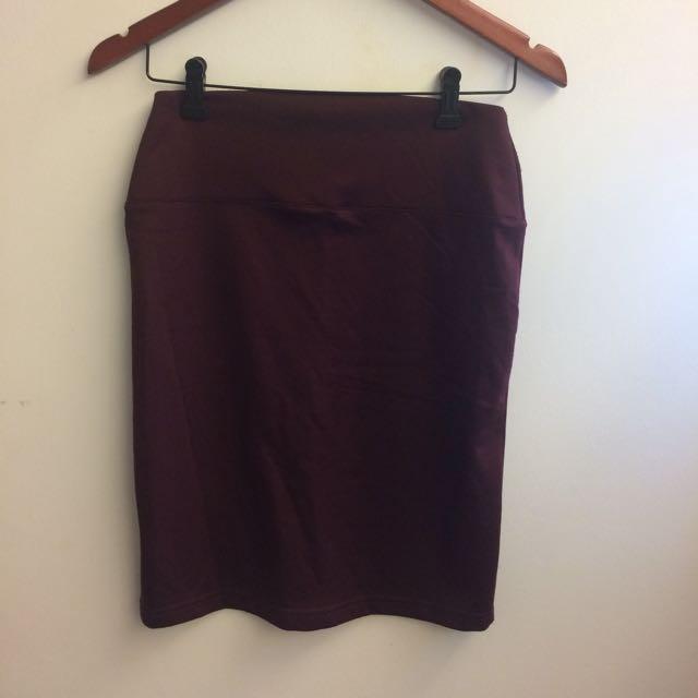 Garner/burgundy pencil skirt