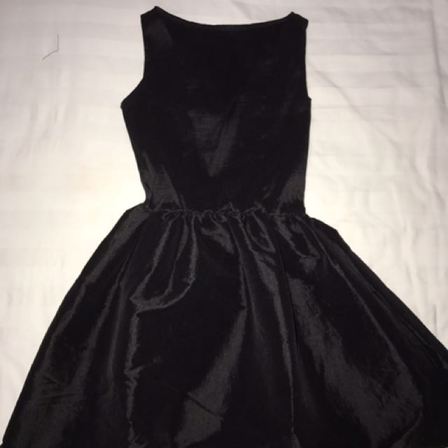 Glowy Dress (Black)