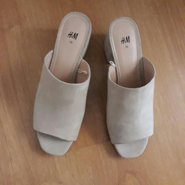 H&M peep-toe mules