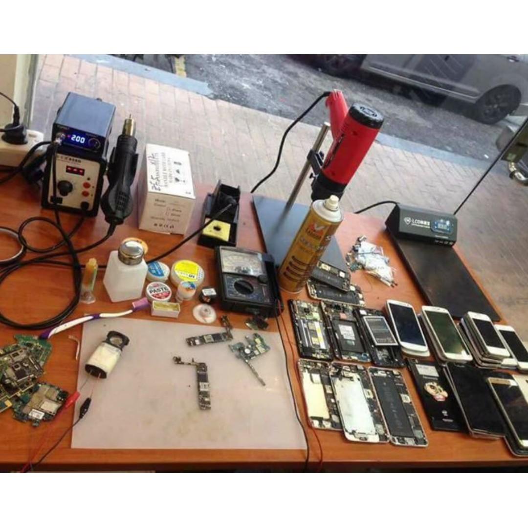 Iphone repair specialist