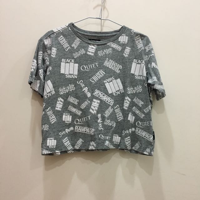 Izzue短版潮流T恤