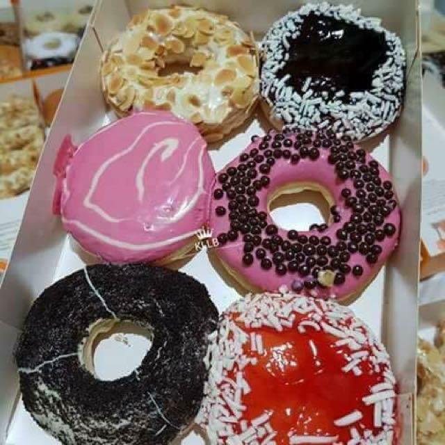 J.co donuts half dozen6pcs