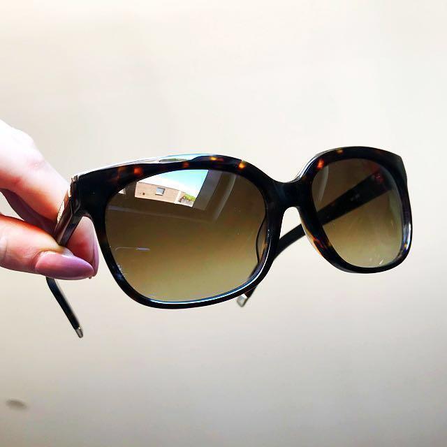 Karl Laegerfeld Cat Eye tortoise shell sunglasses