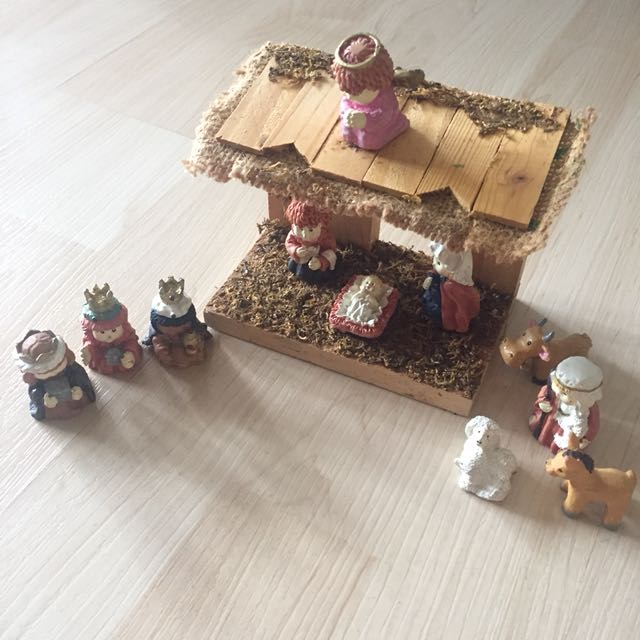 Mini Christmas Manger Display