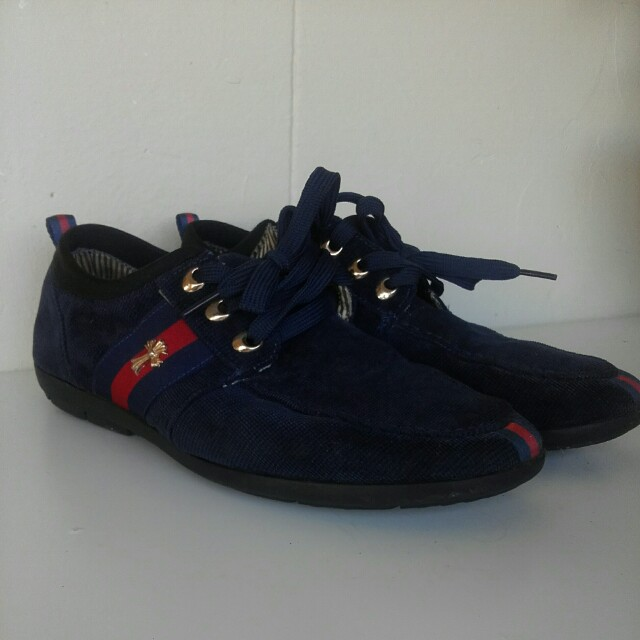 Navy canvas sneakers size 42 (au 8)