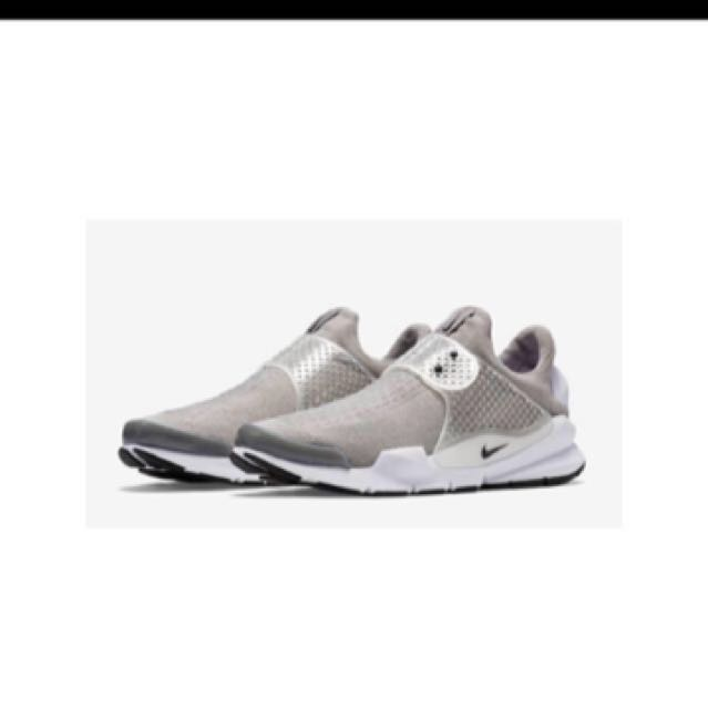 Nike sock dart 23 US4