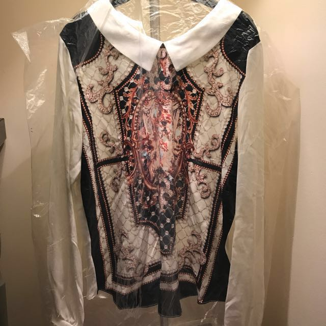 NWOT Baroque style blouse
