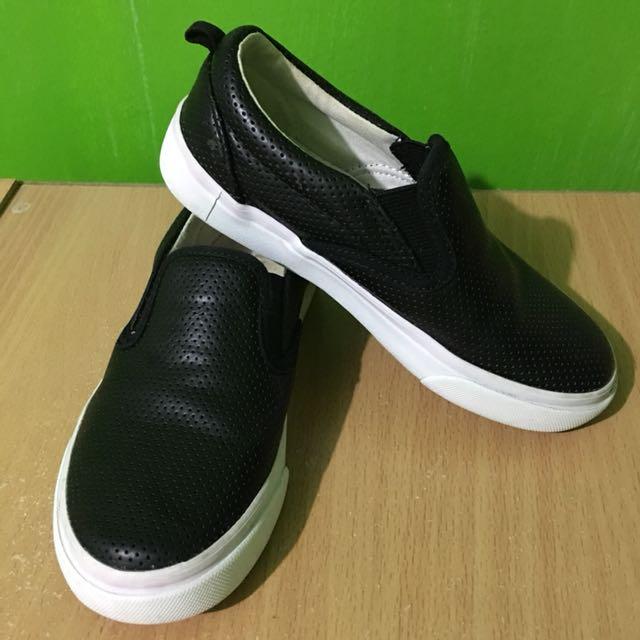 Old Navy Black Slip On
